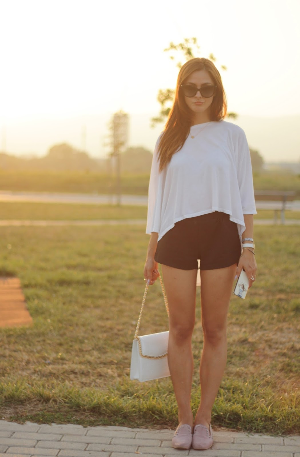 Un look casual con Cashhimi bag e Le Crown al tramonto!