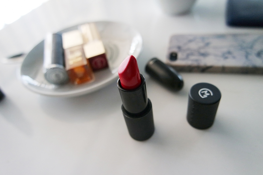 maria galland red lipstick_ best red lipstick