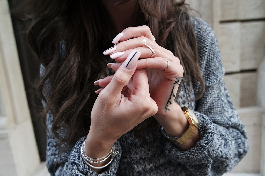 nude look nails long nails.JPG