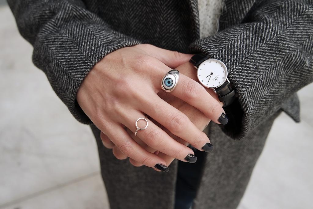 watch_ nails_ rihanna nails_ black nails _ mani_ long nails_ gel unghie.JPG