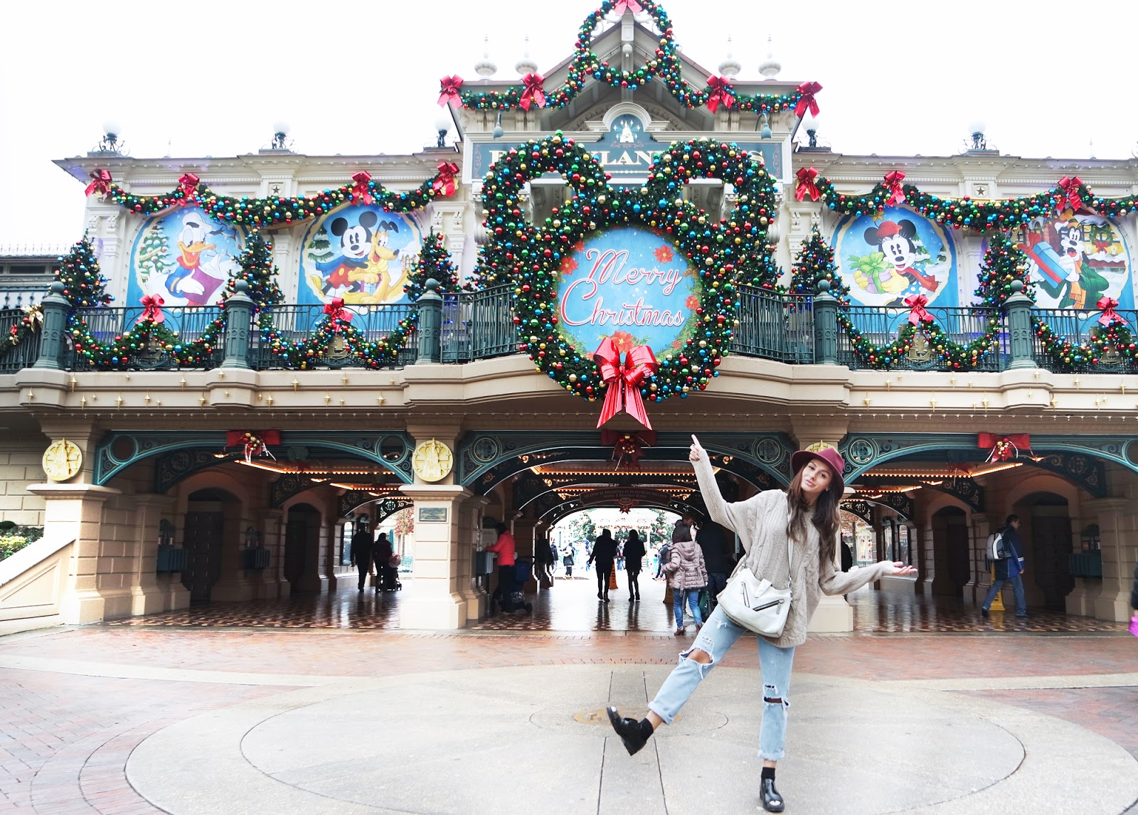 Christmas fun at Disneyland Paris!
